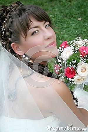 Sposa con i fiori