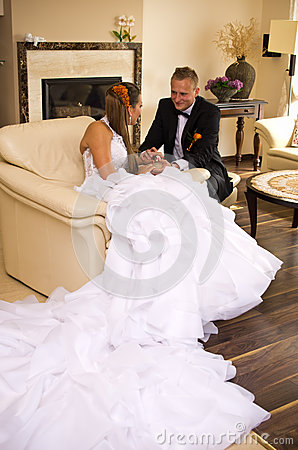 Sposa e sposo della persona appena sposata
