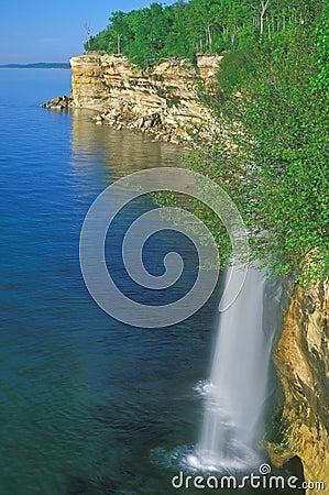 Free Spray Falls Stock Photography - 3785432