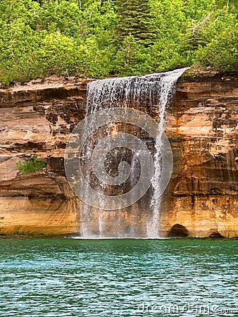 Free Spray Falls And Lake Superior Royalty Free Stock Photo - 48759765