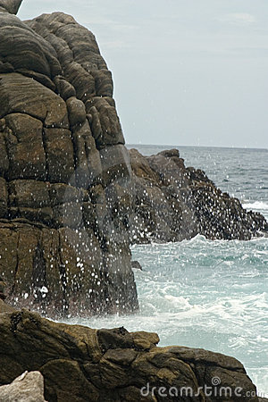 A spray of water against the Rocks