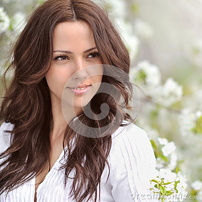 Free Spring Beauty Girl. Beautiful Young Woman In A Summer Park Outdo Royalty Free Stock Photography - 46561857