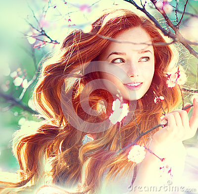 Free Spring Beauty Girl Outdoors Stock Photography - 39791952