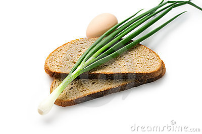 Spring onions, egg and bread