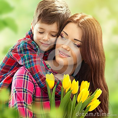 Free Spring Portrait Of Mother And Son On Mother S Day Stock Images - 38013714