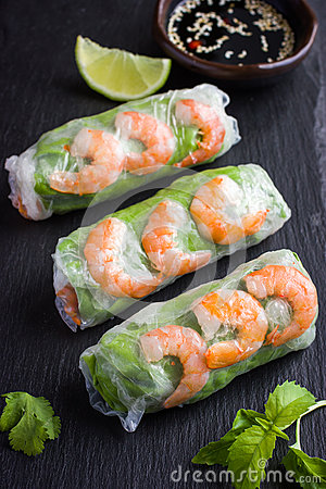 Free Spring Rolls With Shrimps And Vegetables Stock Photography - 70853612