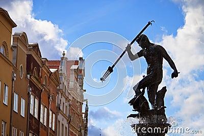 Springbrunn av Neptunen i gammal town av Gdansk