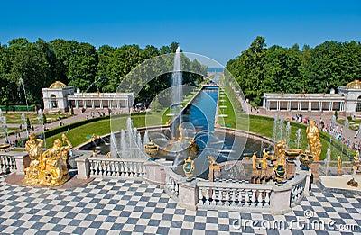 Springbrunnar av Petergof, St Petersburg, Ryssland