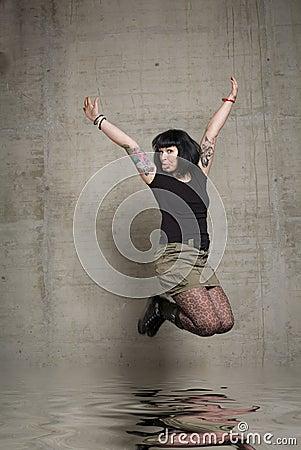 Springende Frau