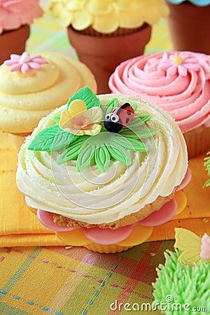 Springtime cupcakes