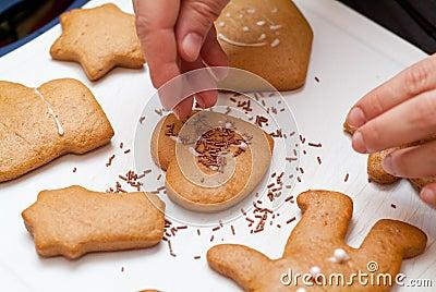 Sprinkling gingerbread