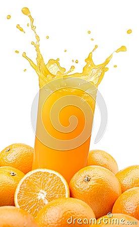 Spruzzatura del succo di arancia