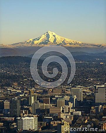 Mt. Haube mit Portland Oregon