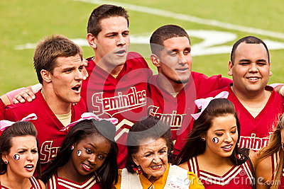 Squadra Cheerleading del Seminole Fotografia Editoriale