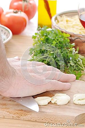 Squashing garlic