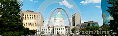 St. Louis Gateway Arch and Court House Panorama Editorial Stock Image