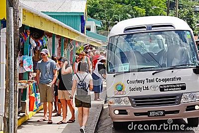 St Lucia - Anse LaRaye Souviner shopping Redaktionell Arkivbild