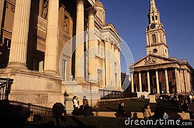 St Martin-in-de-Gebieden & het National Gallery Redactionele Foto