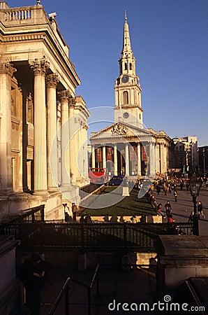 St Martin-in-de-Gebieden & het National Gallery Redactionele Stock Foto