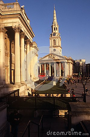 St Martin-in-the-Fields & The National Gallery Editorial Stock Photo