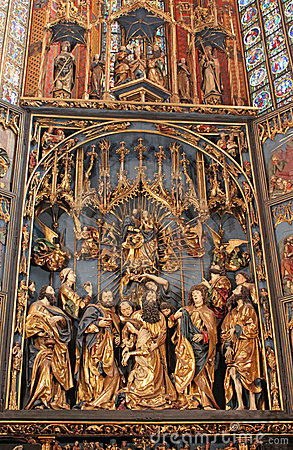 St. Mary s Basilica, Krakow, Interior
