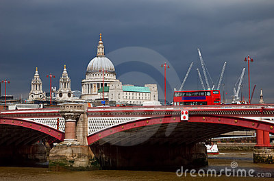 St. Paul Cathedral and Blackfriar s Bridge