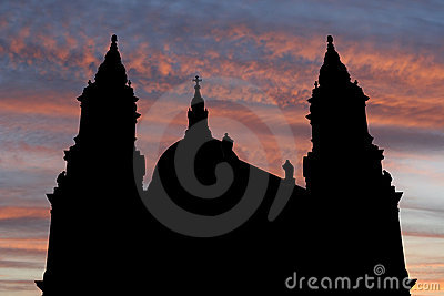 St Paul s cathedral at sunset