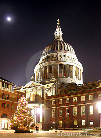 Free St Paul S Christmas Tree Royalty Free Stock Image - 1565876