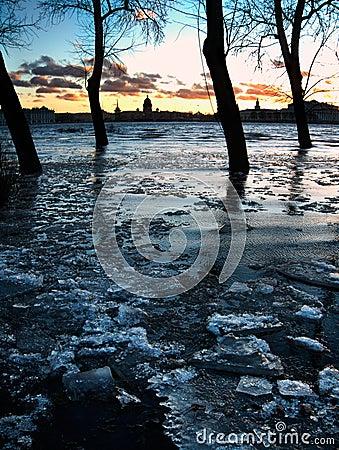 Free St.Petersburg Flood In Twilight Royalty Free Stock Image - 4549046