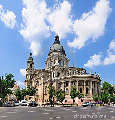 Free St Stephen S Basilica, Budapest Royalty Free Stock Photo - 15670885