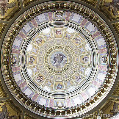 Free St. Stephen S Basilica, Central Cupola Royalty Free Stock Photo - 25174345