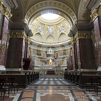 Free St. Stephen S Basilica, Panorama Of Central Part Royalty Free Stock Images - 25105389