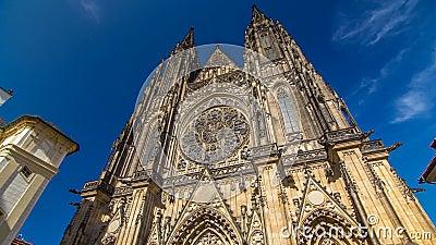 St Vitus大教堂timelapse hyperlapse在布拉格由游人围拢了 股票视频