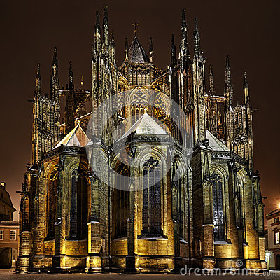 St. Vitus Cathedral bij nacht in Praag