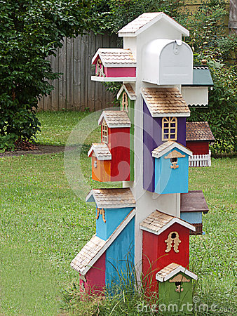 Weird mailboxes, camera mailbox, birdhouse mailbox, Beatles little ...