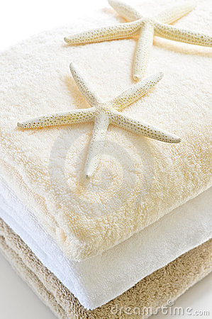 Free Stack Of Towels Royalty Free Stock Photo - 7079875
