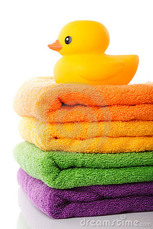 Free Stack Towels And Rubber Duck Royalty Free Stock Photo - 21683115