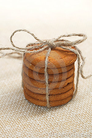 Free Stacked Ginger Cookies Tied By Jute String Royalty Free Stock Photos - 10865308