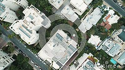 Stadsgebouwen van bovengenoemde hommelantenne stock footage