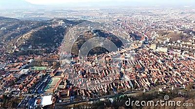 Stadt von Brasov von Tâmpa-Berg, Rumänien stock video footage