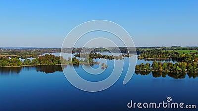 Staffelsee sjö nära Murnau, Bayern, Tyskland lager videofilmer