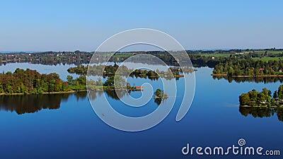 Staffelsee sjö nära Murnau, Bayern, Tyskland stock video
