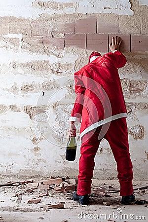 Free Staggering Drunken Santa Royalty Free Stock Photo - 21313085