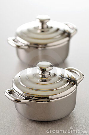 Stainless steel individual cooking pots