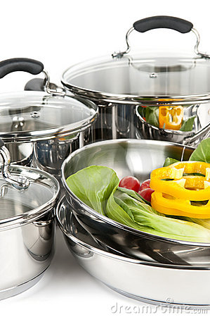 Free Stainless Steel Pots And Pans With Vegetables Stock Photos - 9043313