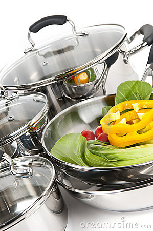Free Stainless Steel Pots And Pans With Vegetables Royalty Free Stock Images - 9043329