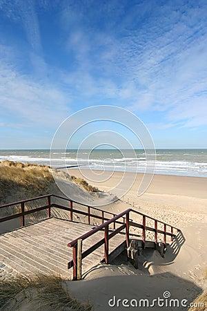 Free Stairway To The Beach Royalty Free Stock Photos - 4712658