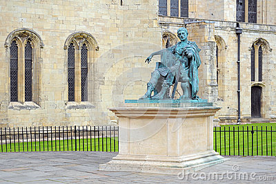 Standbeeld van Roman Keizer Constantine, York, Engeland Redactionele Foto