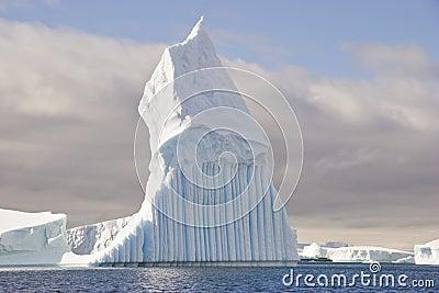 Stange iceberg shape