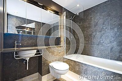 Bagni in marmo moderni u idee di immagine di casa